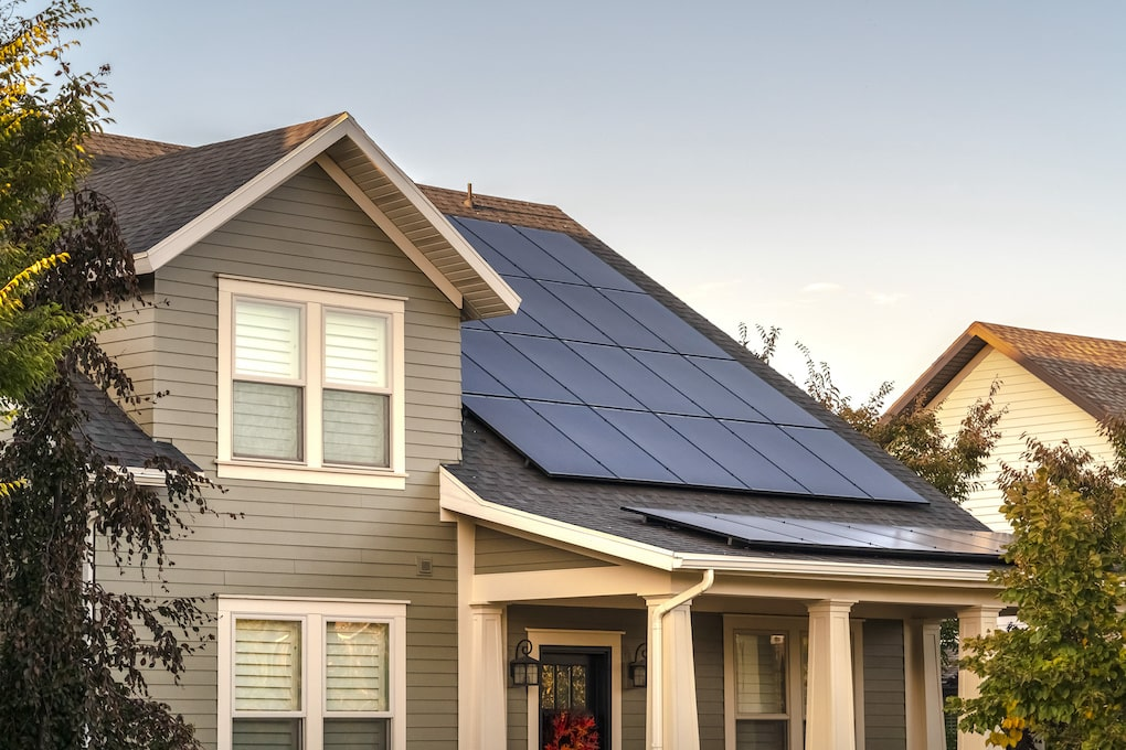 solar panel roof on sustainable homes